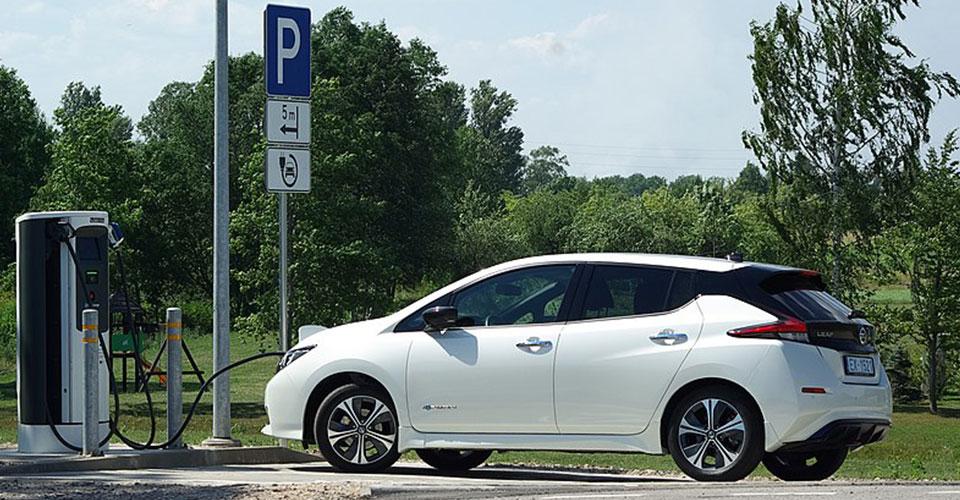 auto-centar-forma-beograd-japansko-korejska-vozila-nissan-leaf-2