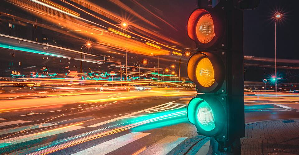 auto-centar-forma-beograd-japanska-juznokorejska-vozila-trepcuce-zeleno-semafor